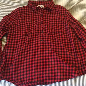 Old Navy red and black plaid flannel popover!